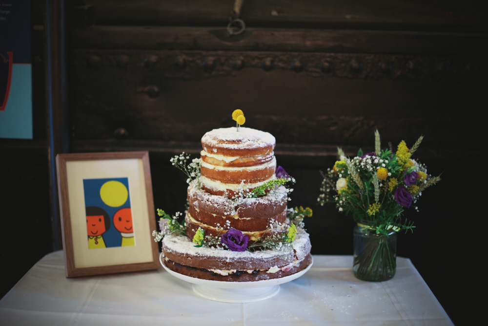 vintage inspired cake at the canal museum London by love oh love photography