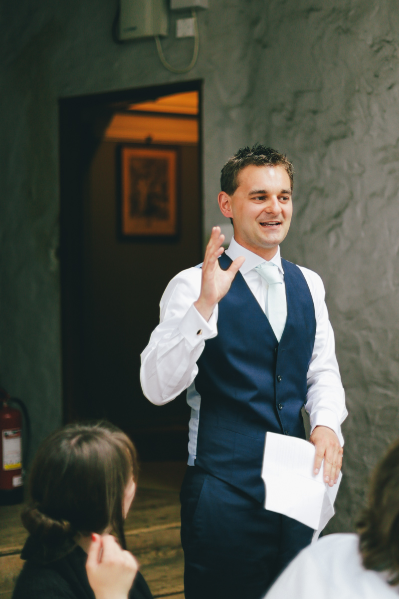 Best man speech at Prussia Cove, Cornwall wedding by Love Oh Love Photography