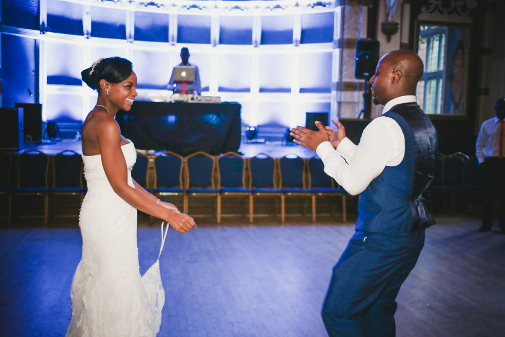 first dance at Old Finsbury Town Hall by Love oh Love photography